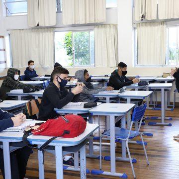 Governo de Santa Catarina prepara novas orientações para ampliação das aulas presenciais