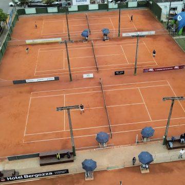 Mais de 115 partidas foram disputadas no primeiro dia da etapa do Catarinense de Tênis em Rio do Sul
