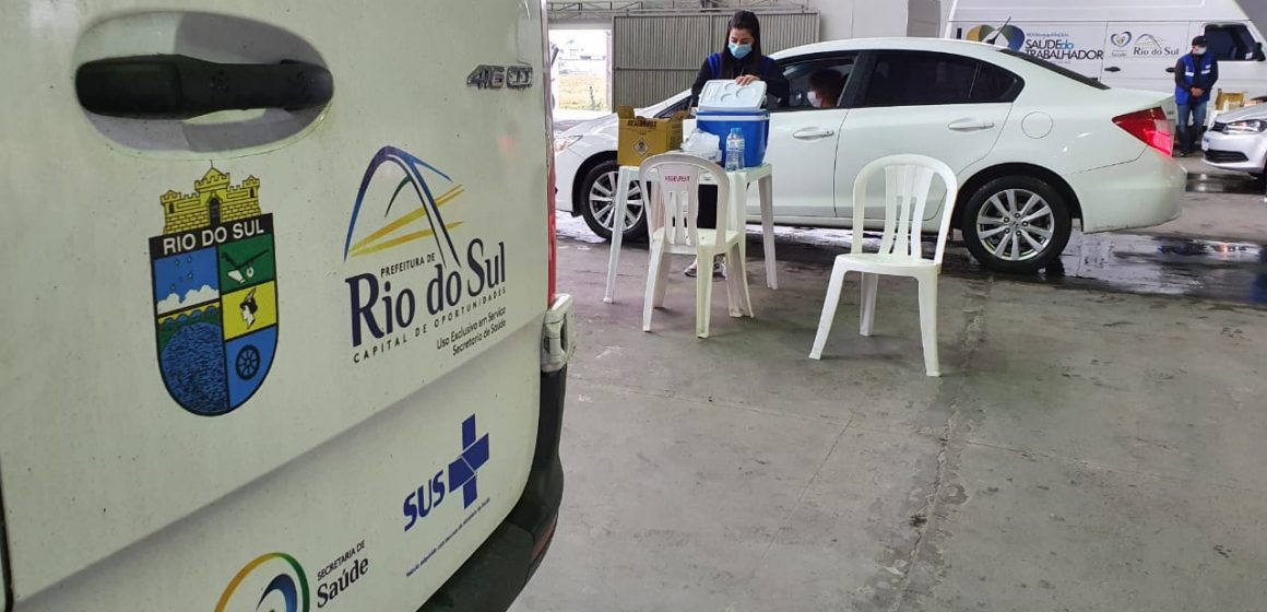 Rio do Sul inicia vacinação para população acima de 30 anos