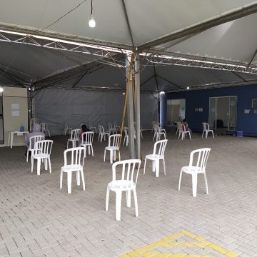 Com ampliação do público vacinado contra Covid-19, cai pela metade número de atendimentos na tenda da UPA, em Rio do Sul