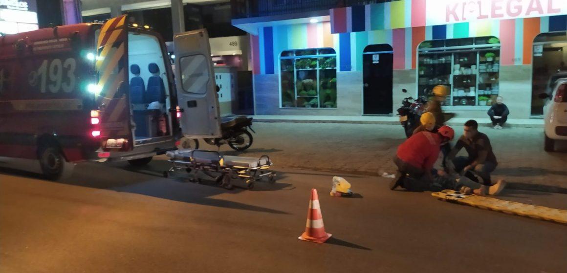 Jovem fica ferido em acidente de trânsito no centro de Presidente Getúlio