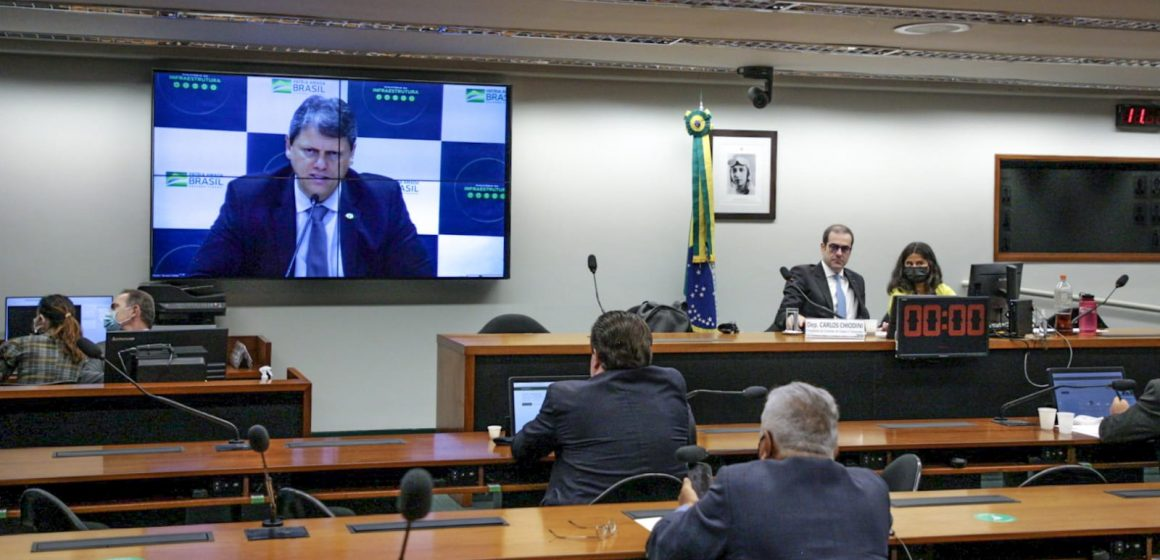 Durante reunião de comissão, em Brasília, Ministro da Infraestrutura fala sobre obras na BR-470