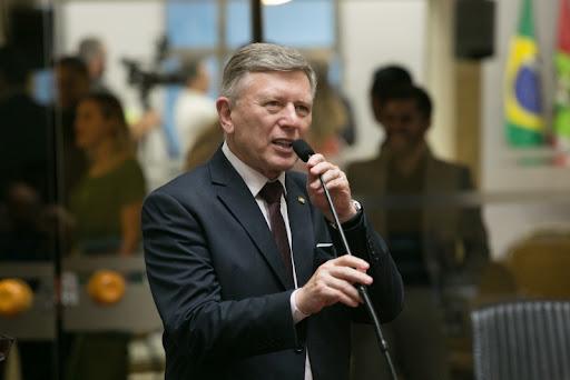 Deputado rio-sulense apresenta intenção de reduzir o ICMS da conta de luz