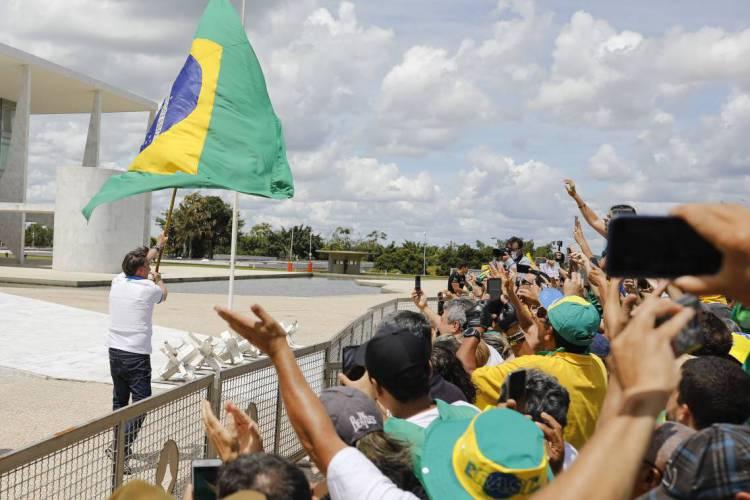 Manifestações pró-Bolsonaro marcadas para amanhã preocupam autoridades em Brasília