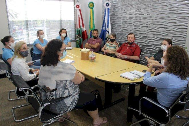 Salete retorna encontro com idosos através do projeto Café com Memórias