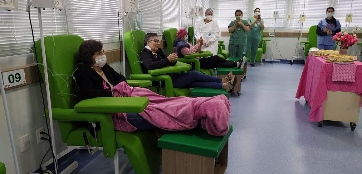 Setor de oncologia do Hospital Regional tem programação especial para celebrar o mês de prevenção ao câncer