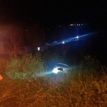 Veículo cai de ribanceira em Taió