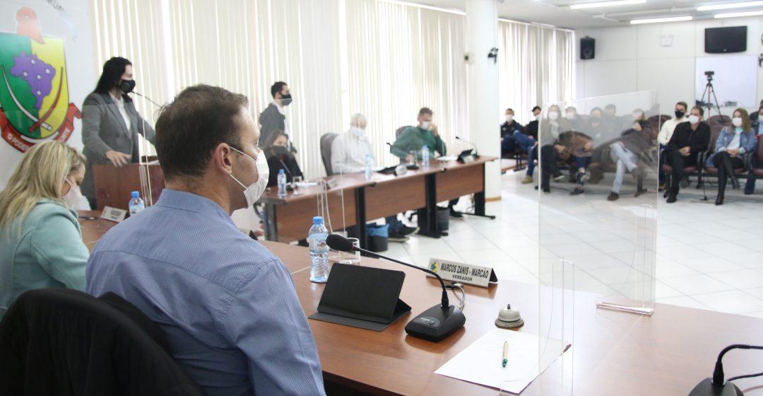 Vereadores de RSL conhecem projeto que autoriza ao executivo repasse de R$ 12 milhões para ressarcimento de empresa de ônibus