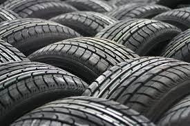 Parceria possibilita descarte adequado de pneus, em Rio do Sul