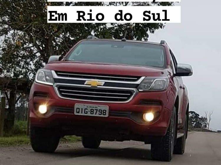 Após assalto, caminhonete é roubada em Rio do Sul